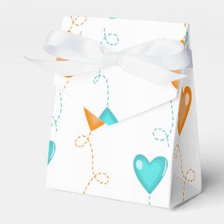 Globos del corazón del naranja y de la turquesa cajas para detalles de boda