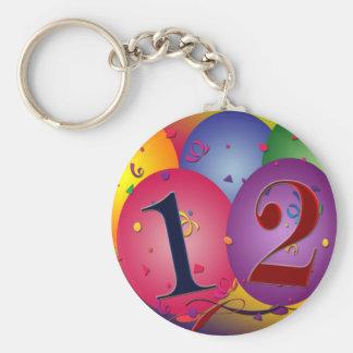 Globos del feliz cumpleaños - 12mo cumpleaños llavero redondo tipo pin