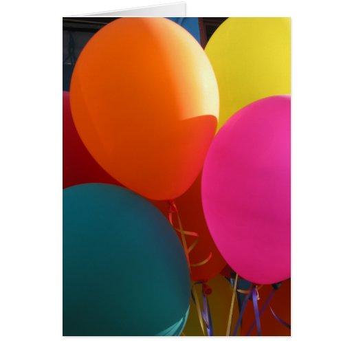 Globos del feliz cumpleaños tarjeta de felicitación
