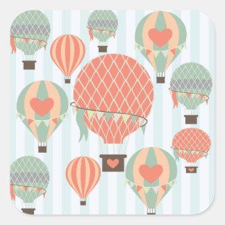Globos en colores pastel del aire caliente que pegatina cuadrada