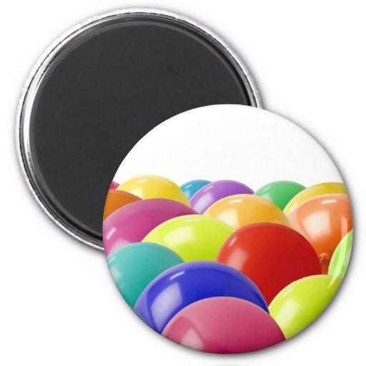 globos en la parte inferior de la foto imán redondo 5 cm