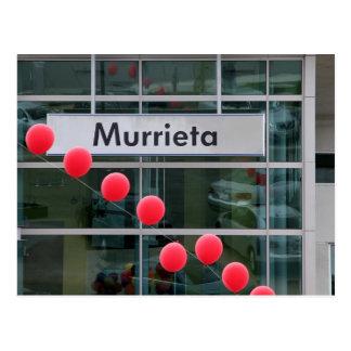 Globos en un Murrieta, CA, concesión de coche Tarjeta Postal