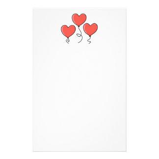 Globos rojos del corazón papelería de diseño