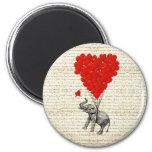 Globos románticos del elefante y del corazón imán redondo 5 cm