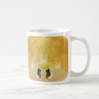 Gloria Butterfly Mug
