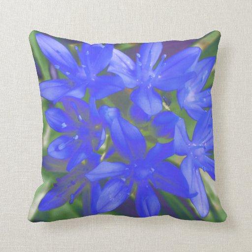 Gloria de la almohada azul fluorescente de la