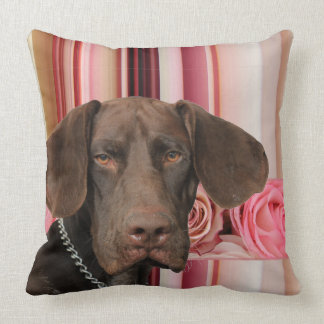 Glossy Grizzly on roses Pillows