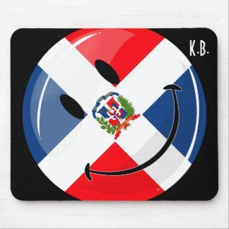 Glossy Round Smiling Dominican Flag Mouse Pad