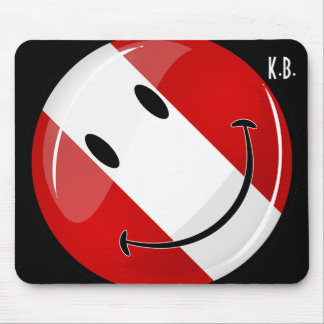 Glossy Round Smiling Peruvian Flag Mouse Pad