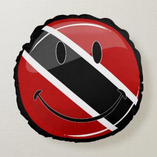 Glossy Round Smiling Trinidad and Tobago Flag Round Pillow