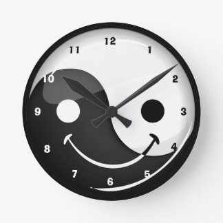 Glossy Round Smiling Yin Yang Symbol Round Clock
