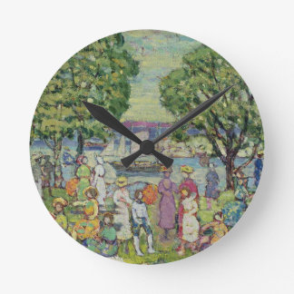 Gloucester Harbour (oil on canvas) Round Clock
