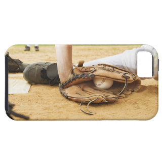 Glove of baseball player tagging runner out, iPhone SE/5/5s case