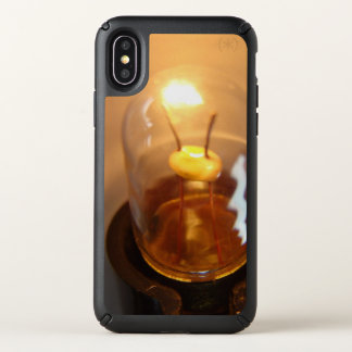 Glowing Low Voltage Light Bulb Speck iPhone X Case
