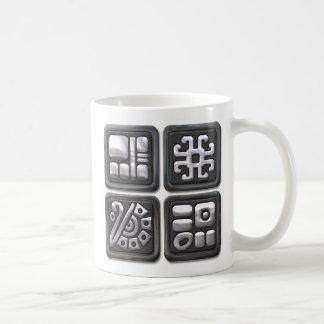 Glyphs-negro y de plata mayas taza