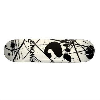 GNOME Scribbles BW Skate Board