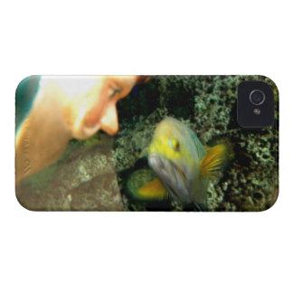 Gnomo de la cara de los pescados funda para iPhone 4
