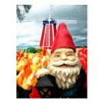 Gnomo del molino de viento tarjeta postal
