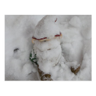 Gnomo en nieve tarjeta postal
