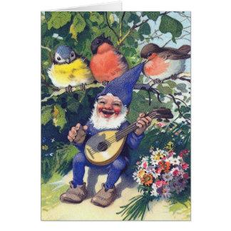 Gnomo feliz con los pájaros tarjeta de felicitación
