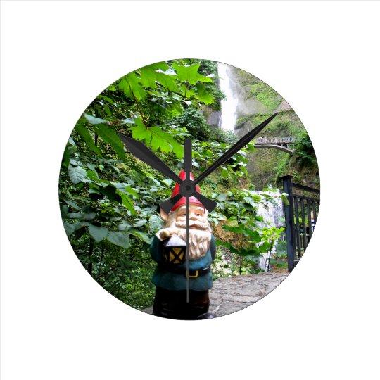 Gnomo III de Multnomah Reloj Redondo Mediano