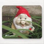 Gnomos del jardín alfombrilla de raton
