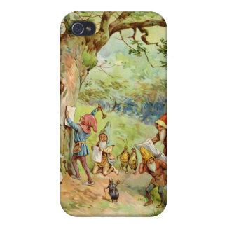 Gnomos, duendes y hadas en el bosque mágico iPhone 4 cárcasas