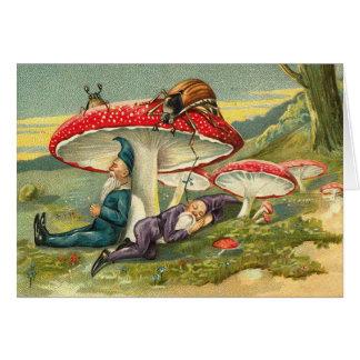 Gnomos mágicos en descanso tarjeta de felicitación