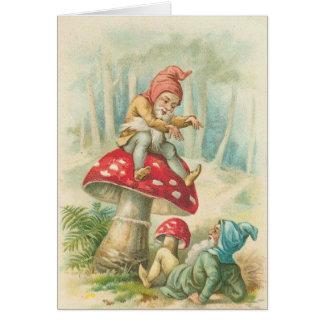 Gnomos mágicos en el juego tarjeta de felicitación