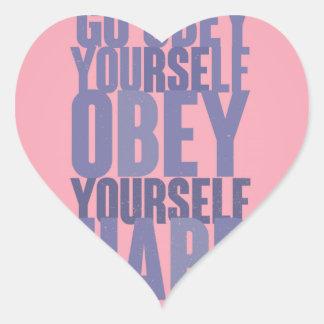 Go se obedece, se obedece difícilmente pegatina en forma de corazón