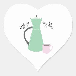 Goce del café pegatina en forma de corazón