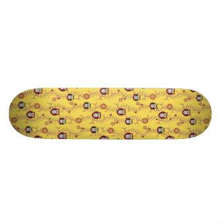 Goce del monopatín modelado sol tabla de skate