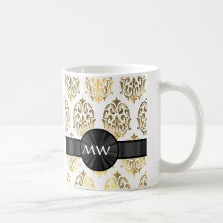 Gold and white damask pattern coffee mug