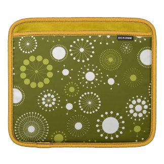 Gold and White Retro Circles Pattern iPad Sleeve