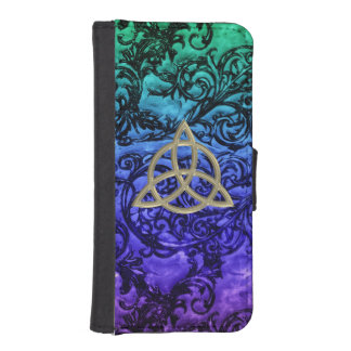 Gold Celtic Trinity Knot Damask Wallet Phone Case iPhone 5 Wallets