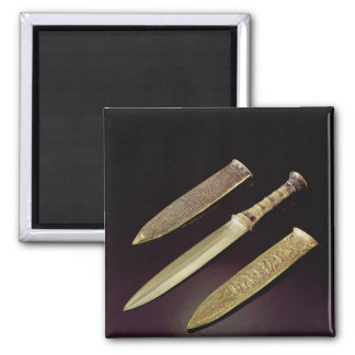 Gold dagger and sheath magnet