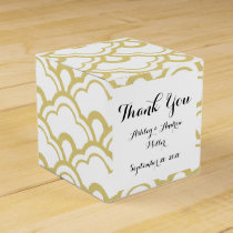 Gold Foil White Scalloped Shells Pattern Favor Box