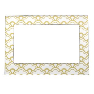 Gold Foil White Scalloped Shells Pattern Magnetic Picture Frame