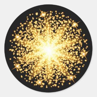 Gold glow light effect on black background classic round sticker