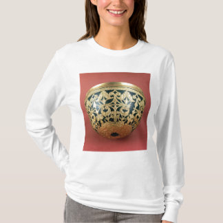 Gold openwork for a varnished bowl T-Shirt