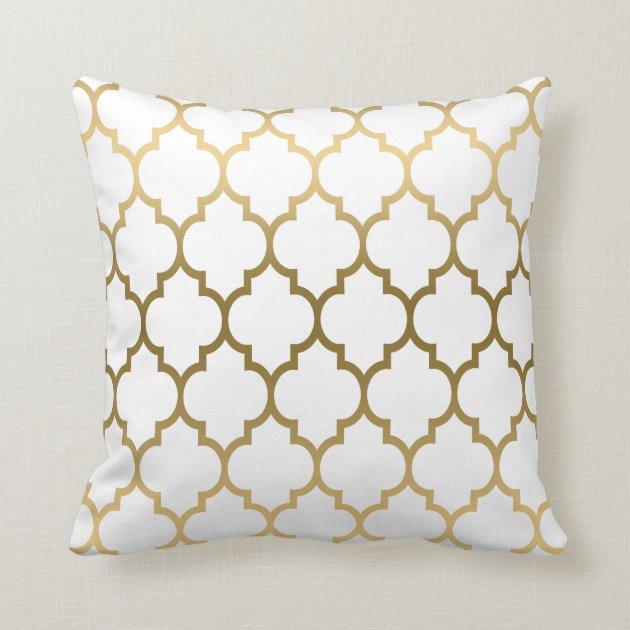 Gold quatrefoil pattern custom background throw pillow for Housse clic clac noir et blanc