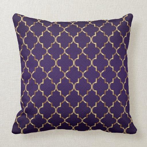 Gold Quatrefoil Pattern on Plum Purple Throw Pillow Zazzle