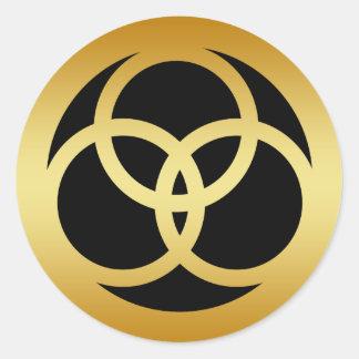 GOLD TRINITY KNOT CLASSIC ROUND STICKER