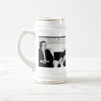 Golda Meir, presidente Nixon, y Henry Kissinger Taza