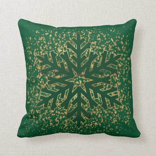 golden christmas snowflake in dark green throw pillow zazzle. Black Bedroom Furniture Sets. Home Design Ideas