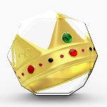 "Golden crown award<br><div class=""desc"">Golden crown isolated on white</div>"