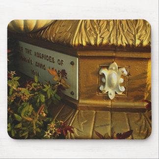 Golden Detail Mouse Pad
