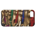 Golden elephants decorated with colorful iPhone SE/5/5s case