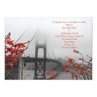 Golden Gate anaranjado que casa la invitación