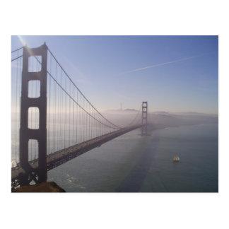 Golden Gate de niebla Postal